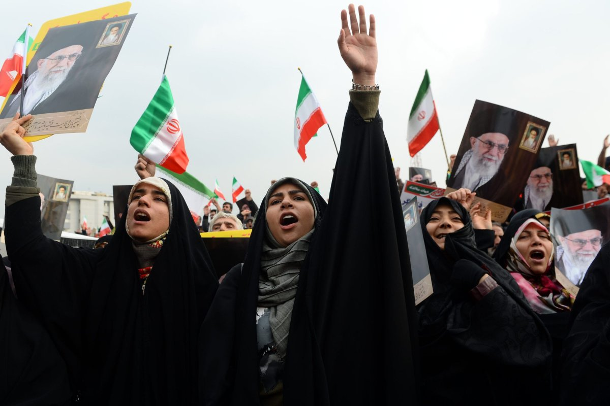 Demonstrators gather during a pro-government demonstration to react to protests due to fuel price increase of Iran, on 25 November, 2019 in Tehran, Iran [Fatemeh Bahrami/Anadolu Agency]