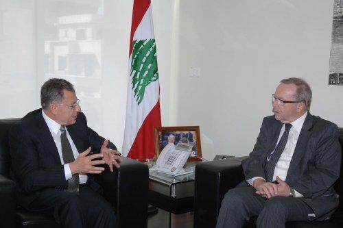 Former Lebanese prime minister Fouad Siniora (L)- former Prime Minister of Belgium Wilfried Martens (R) [FLickr]