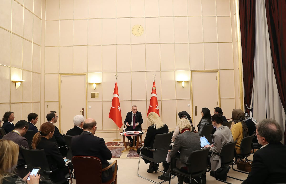 Turkish President Recep Tayyip Erdogan meets with journalists in Geneva, Switzerland on 17 December 2019. [Turkish Presidency / Murat Cetinmuhurdar / Handout - Anadolu Agency]