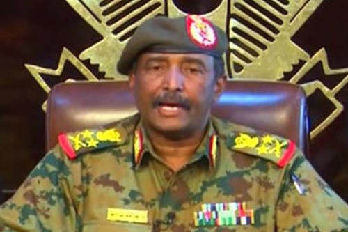 Lieutenant General Abdel Fattah Burhan declares that the curfew is lifted in Khartoum, Sudan on 13 April 2019 [Anadolu Agency]
