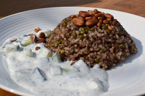Thumbnail: Roz o bazella (rice and peas)