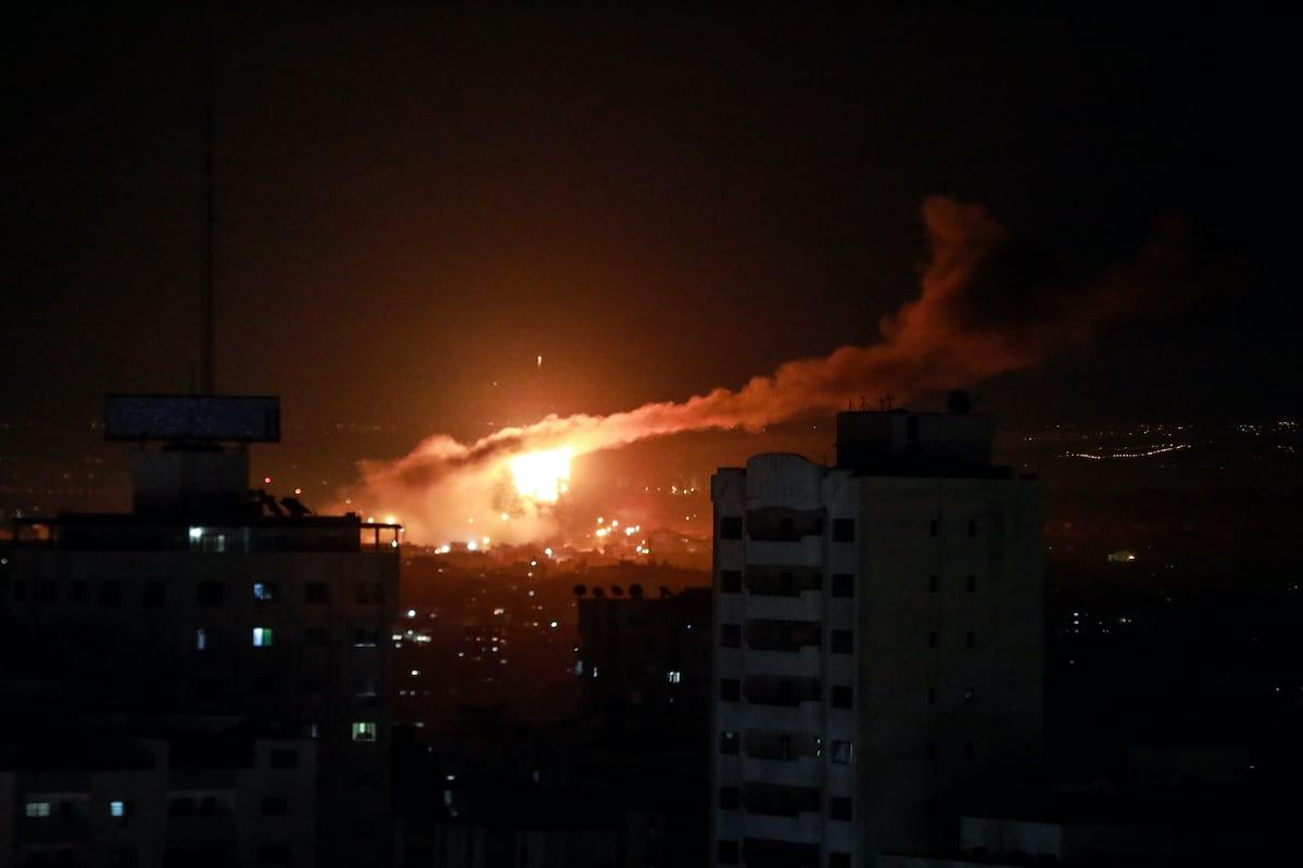 Flames and smokes rise after Israeli warplanes carried out airstrikes over Jabalia neighborhood in Gaza Strip, on 15 January 2020. [Ali Jadallah - Anadolu Agency]