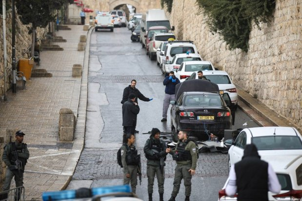Israeli forces conduct a search of the area after a Palestinian was killed by Israeli forces after allegedly attempting to stab Israeli policemen at the Old City in Jerusalem on February 22, 2020 [Mostafa Alkharouf / Anadolu Agency]