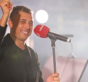 Renowned singer-songwriter Omar Al-Abdallat performs for Palestine in London