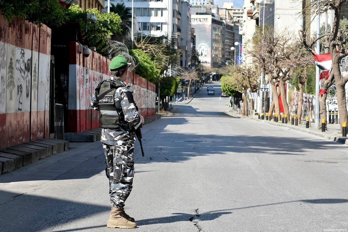 Security forces set up check points at streets a state of emergency declared due to the novel coronavirus outbreak in Beirut, Lebanon on 22 March 2020. [Hussam Chbaro - Anadolu Agency]