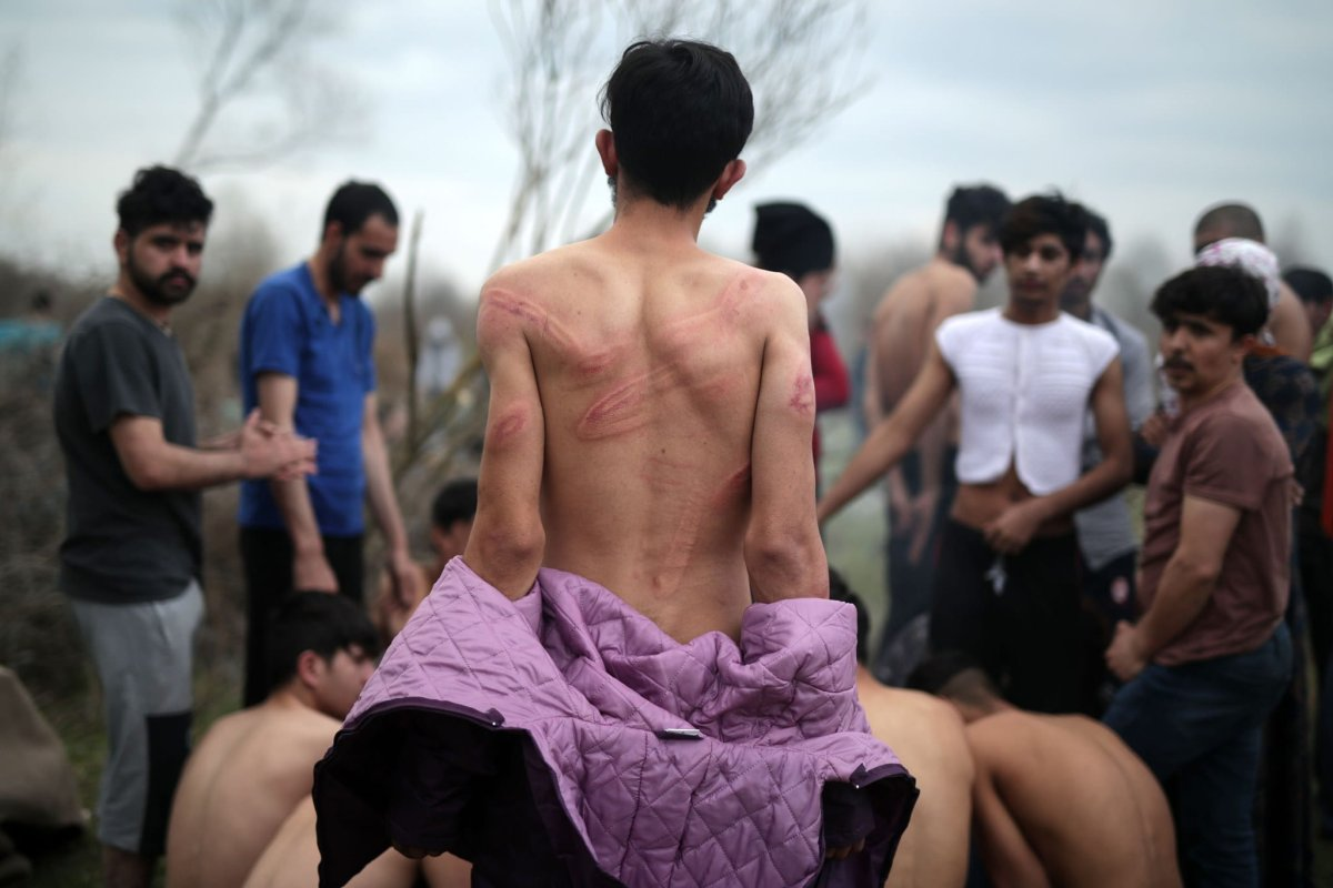 Syrian refugees tortured in Greece [Twitter]