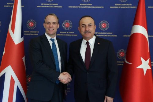 Turkish Foreign Minister, Mevlut Cavusoglu (R) meets with UK Foreign Secretary, Dominic Raab (L) in Ankara, Turkey on March 03, 2020 [Fatih Aktaş / Anadolu Agency]