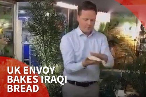 Thumbnail - UK envoy bakes Iraq bread