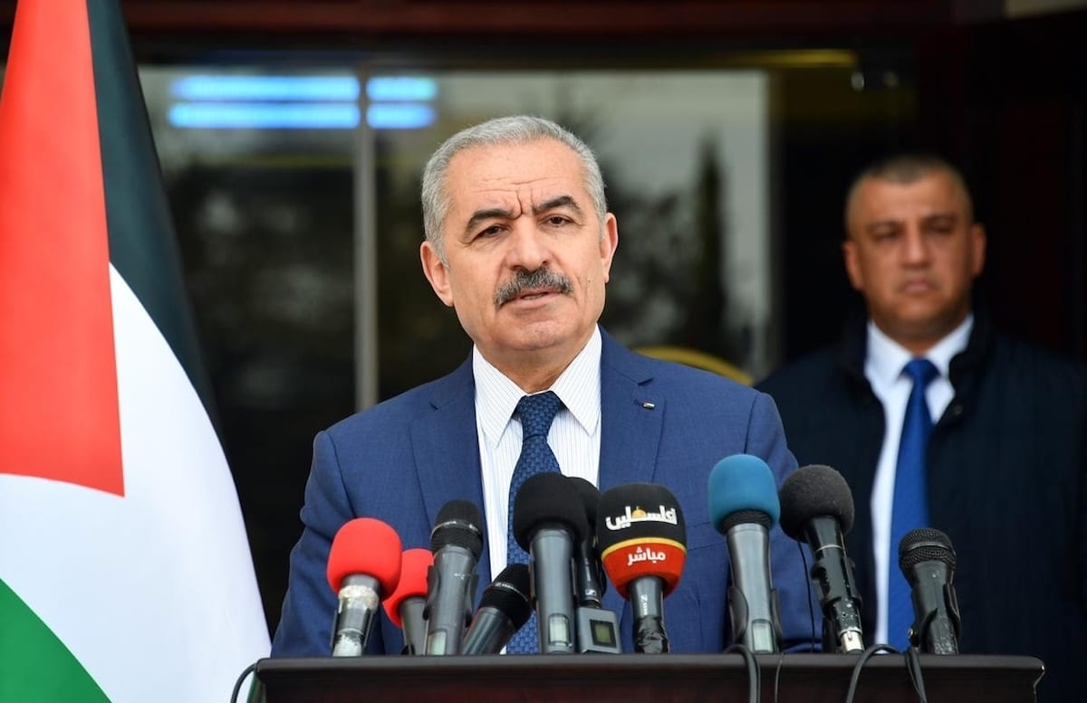 Palestinian Prime Minister Mohammad Shtayyeh holds a press conference regarding measures taken against coronavirus (Covid-19) pandemic in Ramallah, West Bank on 13 April 2020 [Palestinian Prime Ministry/Anadolu Agency]