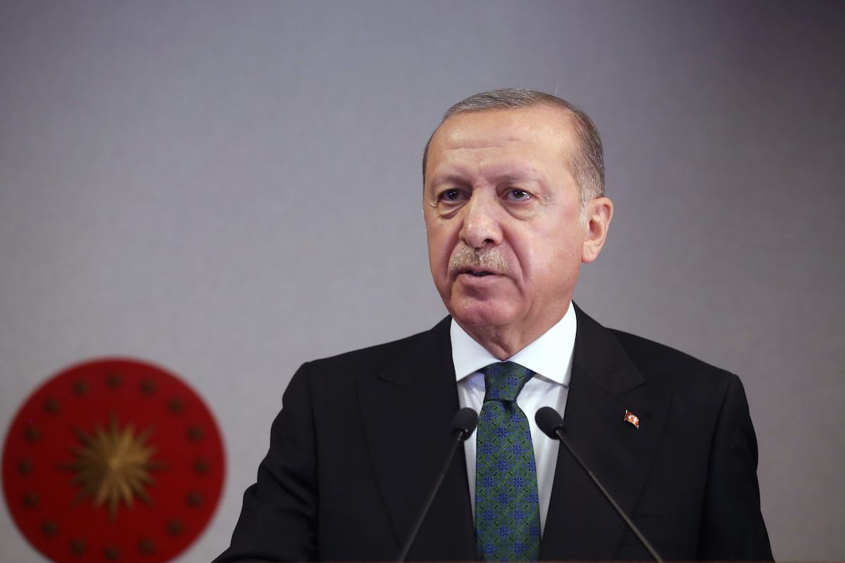 Turkish President Recep Tayyip Erdogan speaks during a press conference after cabinet meeting in Istanbul, Turkey on 27 April, 2020 [Mustafa Kamacı/Anadolu Agency]