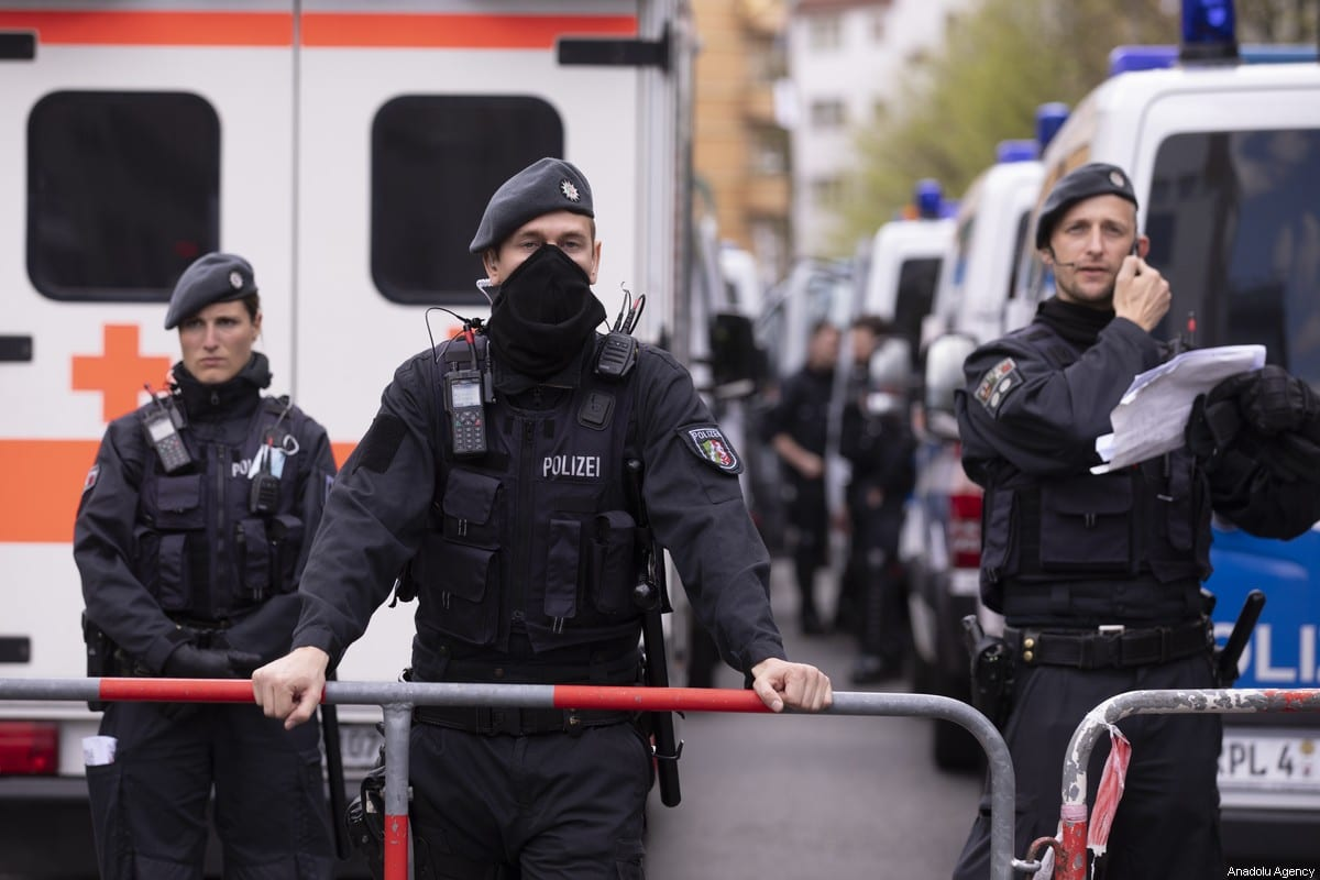 German police in Berlin, Germany on 1 May 2020 [Abdulhamid Hoşbaş/Anadolu Agency]