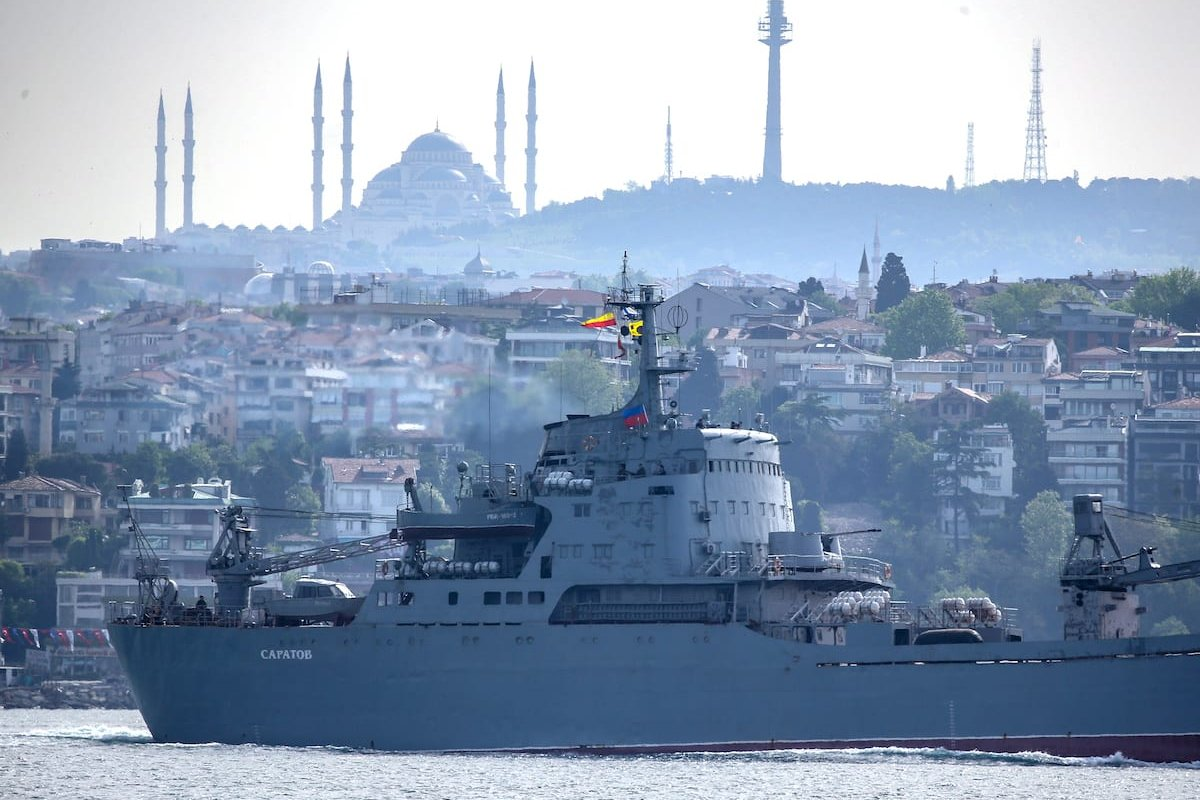 Russian Navy ship passes through Istanbul, Turkey on 16 May 2020 [Emrah Yorulmaz/Anadolu Agency]