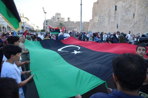 Libyans gather at Martyrs Square to celebrate the liberation of Tarhuna and Bani Walid from militia of warlord Khalifa Haftar, on 5 June 2020 in Tripoli, Libya. [Hazem Turkia - Anadolu Agency]