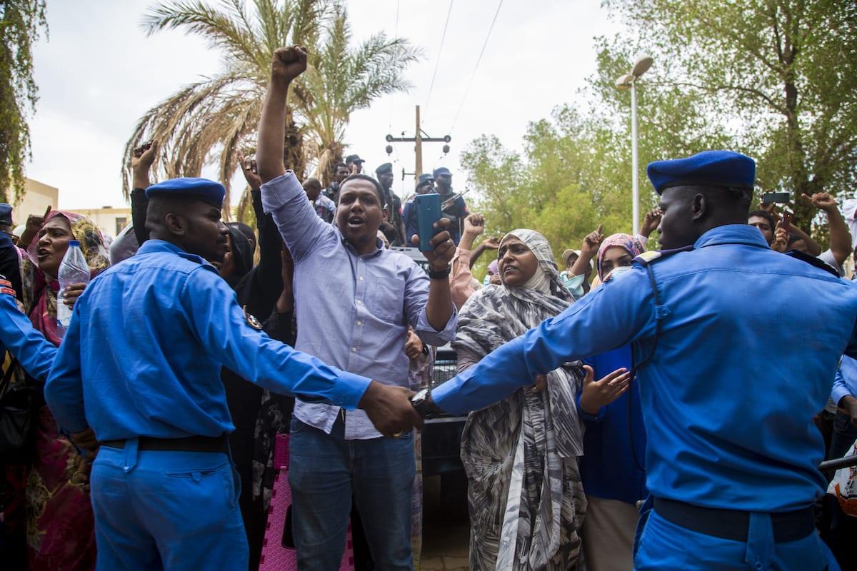 Clashes in Khartoum, Sudan on July 21, 2020. [Mahmoud Hjaj - Anadolu Agency]