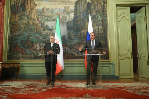 Iranian Foreign Minister Mohammad Javad Zarif (L) and Russia's Foreign Minister Sergei Lavrov (R) hold a joint press conference after their meeting in Moscow, Russia on July 21, 2020. [Russian Foreign Ministry - Anadolu Agency]