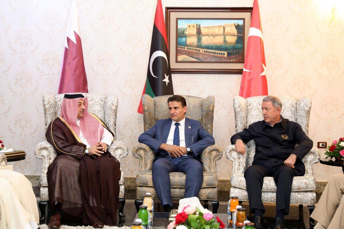 Turkish Defense Minister Hulusi Akar (R) meets with Qatari Defense Minister Khalid Bin Mohammed Al-Attiyah (L) and Libyan Deputy Defense Minister Saladin En-Nemrush (C), in Tripoli, Libya on 17 August 2020 [Arif Akdoğan/Anadolu Agency]
