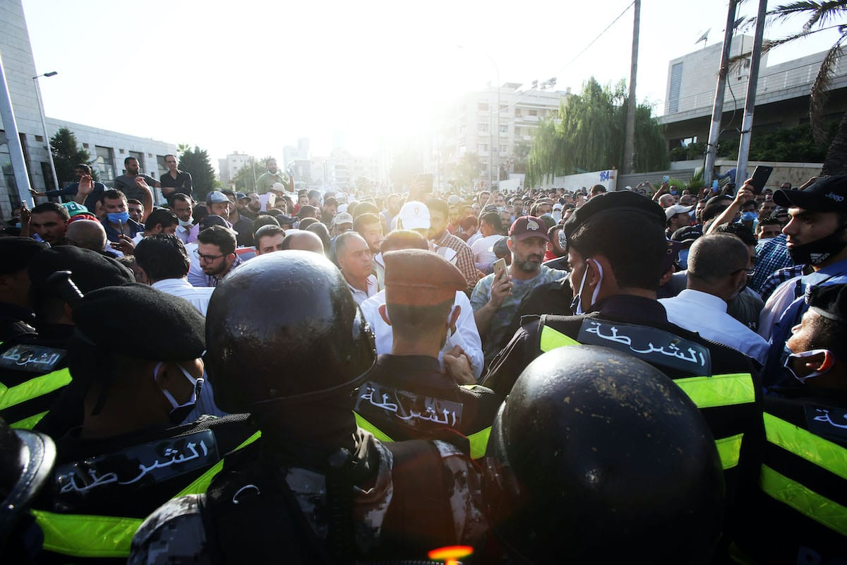 Jordanian police close the streets reaching to area of the prime minister's office on 29 July, 2020 in Amman, Jordan [Jordan PIx/Getty Images]