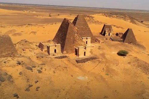 Thumbnail - Discover the Meroe pyramids, Sudan