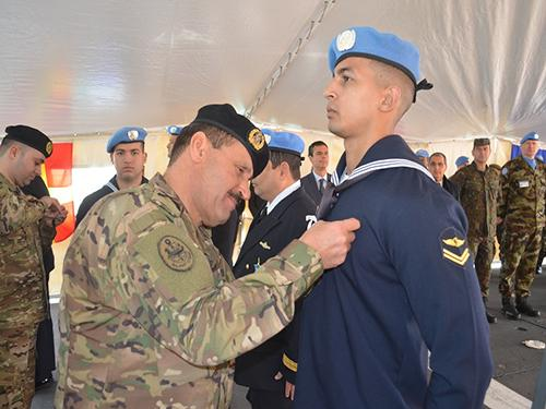 Commander of the Lebanese Navy -Hosni Daher- was giving the United Nations Peacekeeping Medal to the Military personnel of the Brazilian Navy on 16 January 2019 in Lebanon [Brazilian Navy]