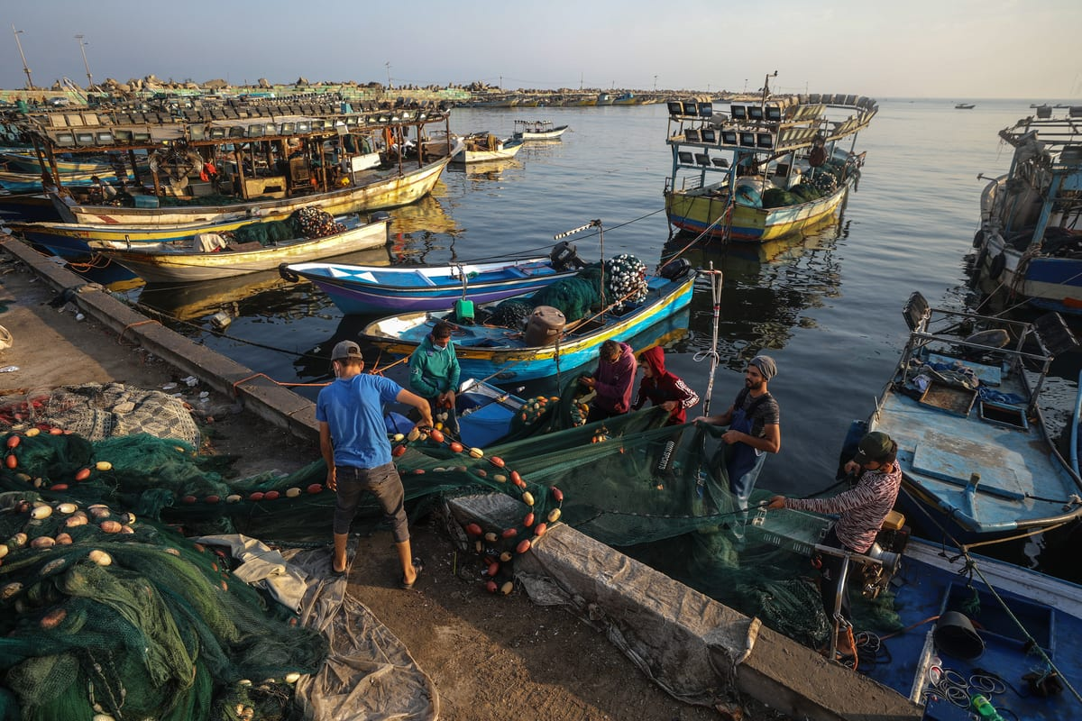 Gazan fishers prepare to sail to the sea at the Port of Gaza as Israel announced to reverse latest punitive reduced fishing zone from 8 mile to 15 mile on Gaza coast after a ceasefire with Hamas, in Gaza on 3 September 2020. [Ali Jadallah - Anadolu Agency]