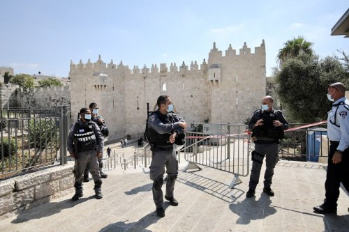 JERUSALEM - SEPTEMBER 25: Israeli security forces take security measures in front of gates of Al-Aqsa Mosque after a decision to tighten quarantine measures against coronavirus (Covid-19) pandemic in East Jerusalem's Old City on September 25, 2020. ( Mostafa Alkharouf - Anadolu Agency )