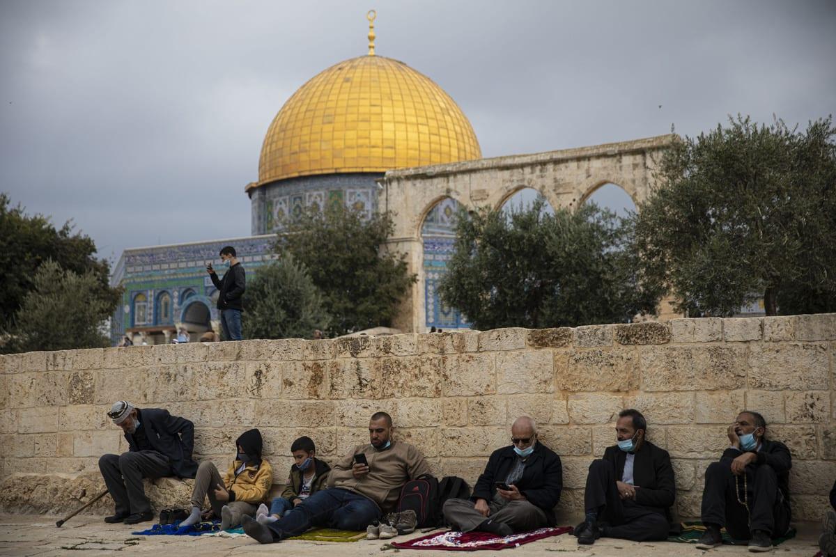 Palestinians gather to perform Friday prayer at Masjid al-Aqsa complex in East Jerusalem's Old City on November 6, 2020 [Mostafa Alkharouf/Anadolu Agency]