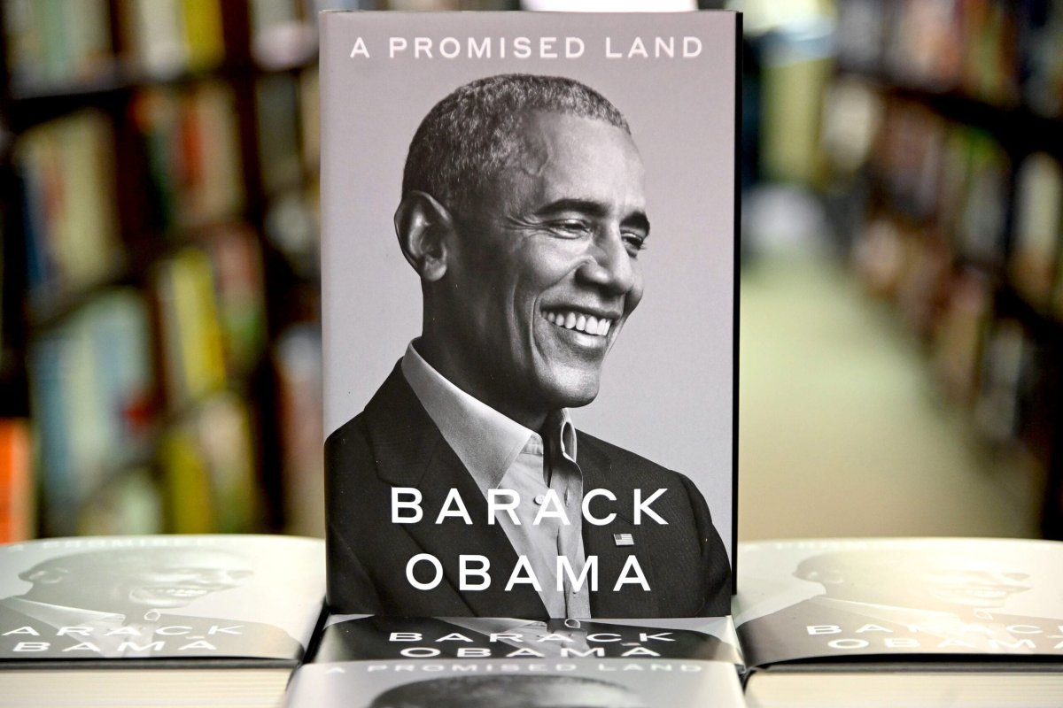 President Barack Obama's memoir 'A Promised Land' at a book store in New York on 17 November 2020 [Jamie McCarthy/Getty Images]
