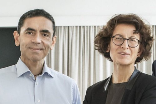 The firm that invented the #Pfizer vaccine, Biontech, is a German medical startup founded by the children of Turkish immigrants: Özlem Türeci (CMO) and Uğur Şahin (CEO) [@COdendahl/Twitter]