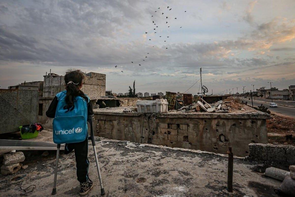Fatma Nasuh, an eight-year-old Syrian girl who lost her leg in a Russian air strike [Muhammed Said/Anadolu Agency]