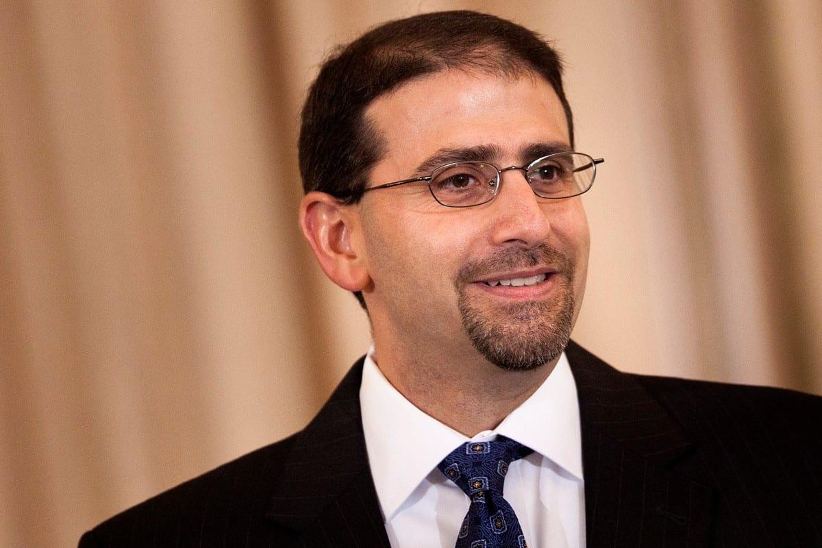 Former US Ambassador to Israel Dan Shapiro in Washington, DC on 8 July 2011 [Brendan Smialowski/Getty Images]
