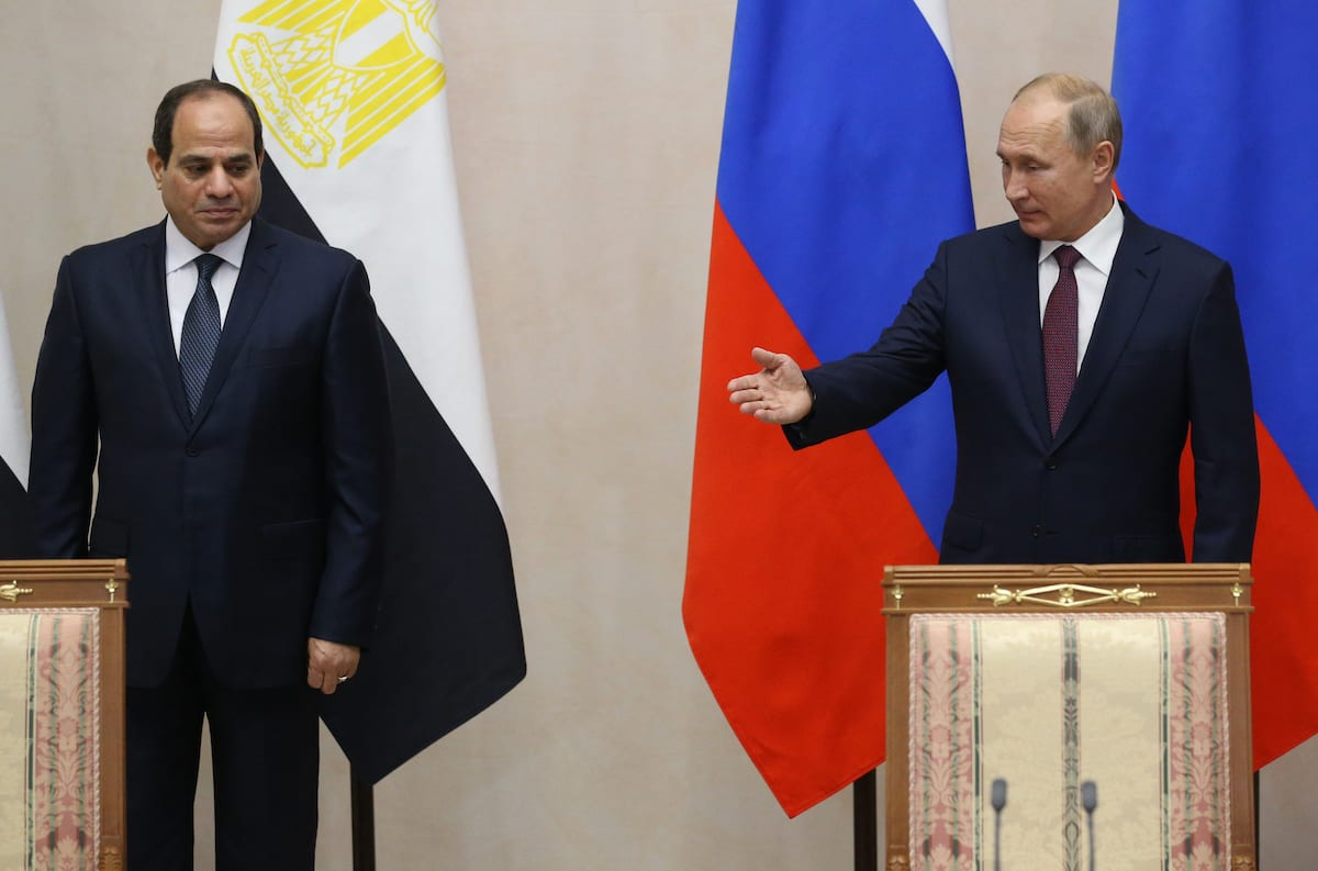 Russian President Vladimir Putin (R) and Egyptian President Abdel Fattah el-Sisi (L) attend their meeting in Sochi, Russia, on 17 October 2018. [Mikhail Svetlov/Getty Image]