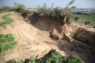 Farmers in the Beit Lahia area appealed to the Ministry of Agriculture and international organisations to save them from losses after three days of rain that led to the flooding of the irrigation stream around the fields on December 21 in Gaza [Mohammed Asad/Middle East Monitor]