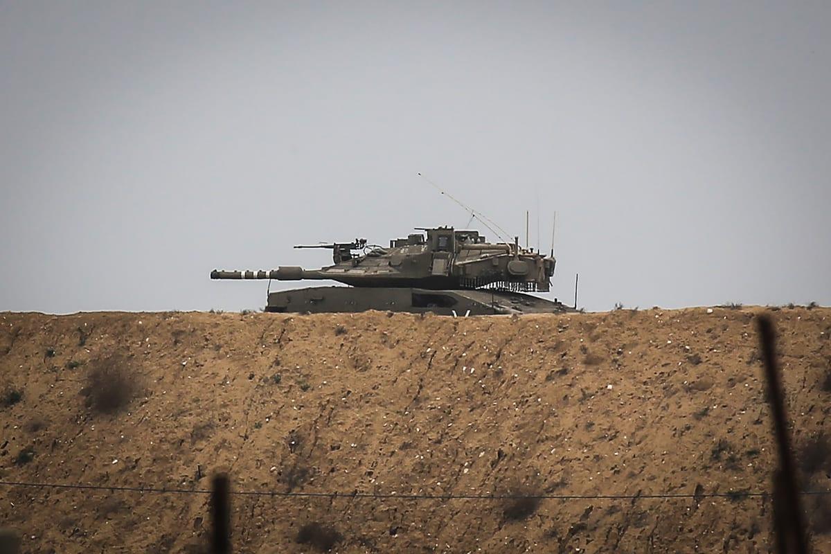 An Israeli tank near Gaza on 13 January 2021 [Ali Jadallah/Anadolu Agency]