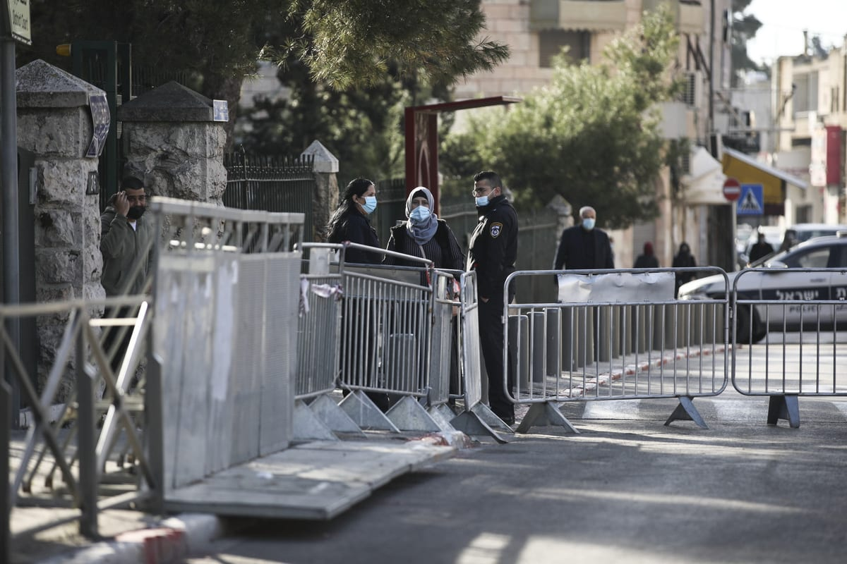 Israeli forces take security measures around the Jerusalem District Court in West Jerusalem on February 8, 2021 [Mostafa Alkharouf/Anadolu Agency]