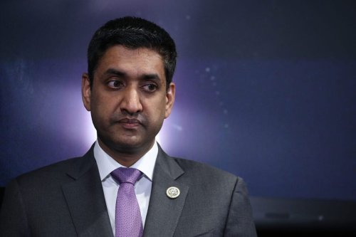 Rep. Ro Khanna (R-CA) participates in a news conference on December 18, 2017 in Washington, DC [Chip Somodevilla/Getty Images]