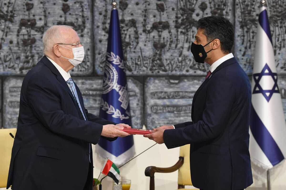 Muhammad Al Khajah, the first Emirati ambassador to Tel Aviv, presented his credentials, on Monday, to Israeli President Reuven Rivlin [GPO/Mark Neyman/Anadolu Agency]