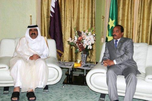 Mauritanian President Mohamed Ould Abdel Aziz (R) meets Sheikh Hamed Bin Khalifa Al Thani, Emir of the State of Quatar in Nouakchott on January 5, 2012 [AHMED ELHADJ/AFP via Getty Images]