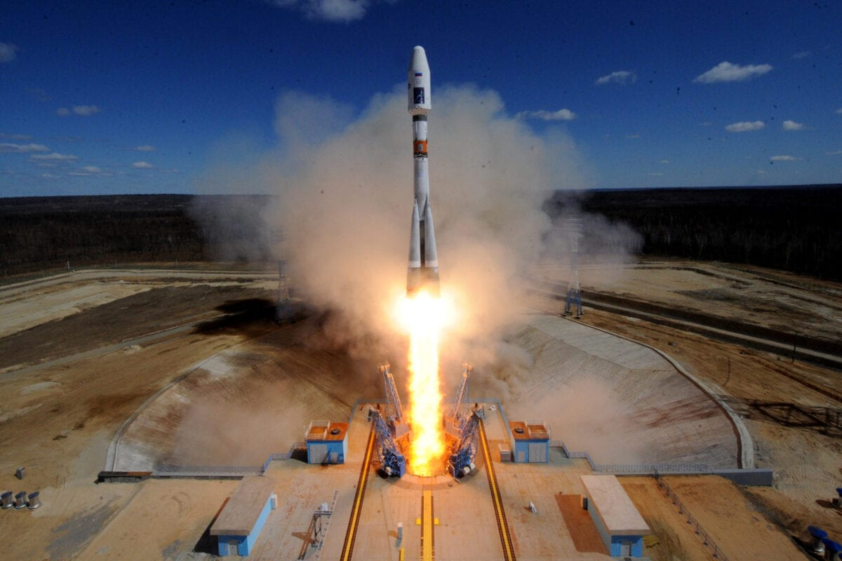 A Russian Soyuz 2.1a rocket in the far eastern Amur region on April 28, 2016 [KIRILL KUDRYAVTSEV/AFP via Getty Images]