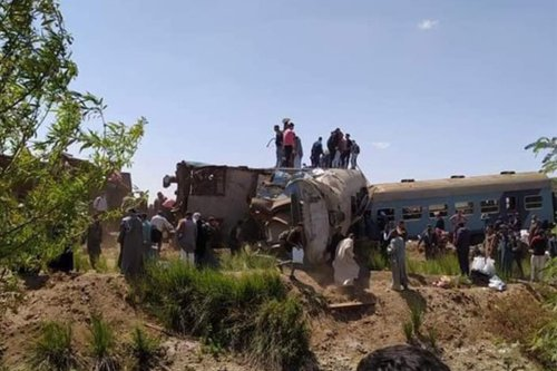 The aftermath following a train crash near the city of Sohag, Egypt on 26 March 2021 [q8-press]