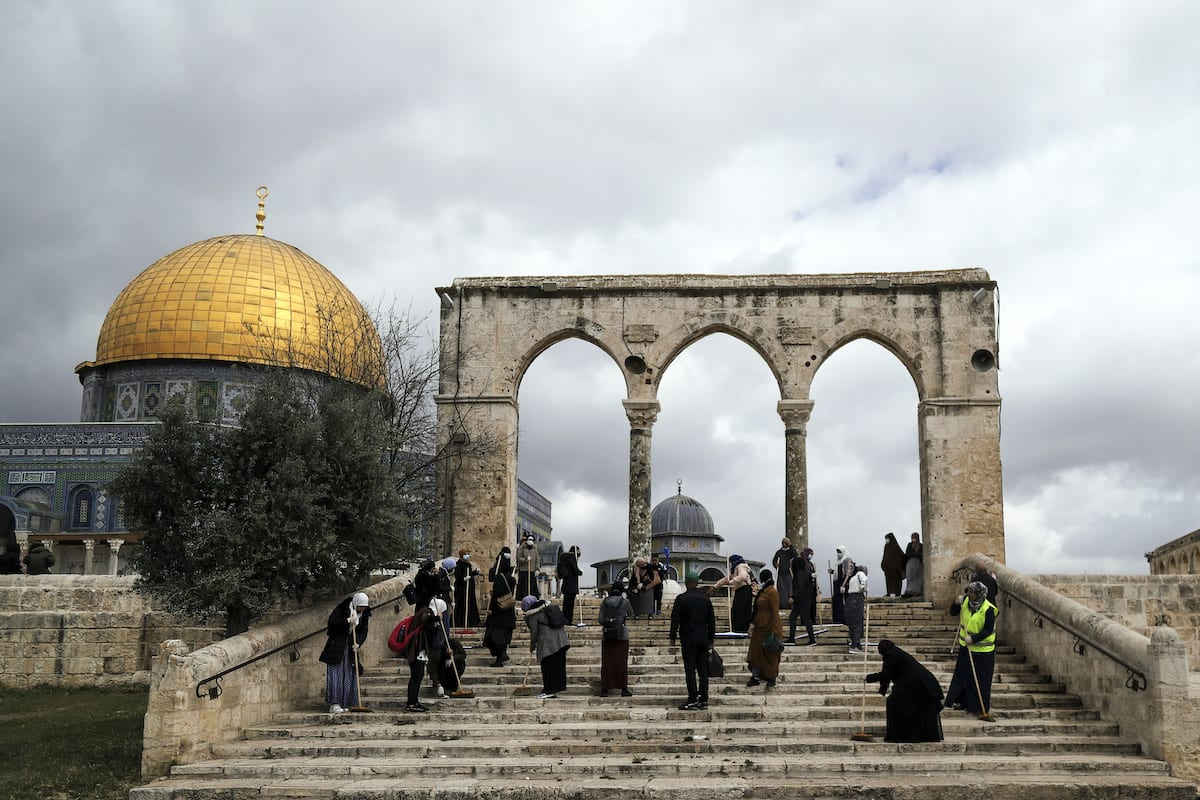 Cleaning works are being carried out at the Al-Aqsa Mosque Compound ahead of holy month of Ramadan in Jerusalem on 10 April 2021. [Mostafa Alkharouf - Anadolu Agency]