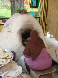 Egypt female baker [Noaman Ali/FlickR]