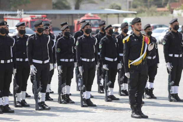 New police cadres graduate in Gaza [Mohammed Asad/Middle East Monitor]