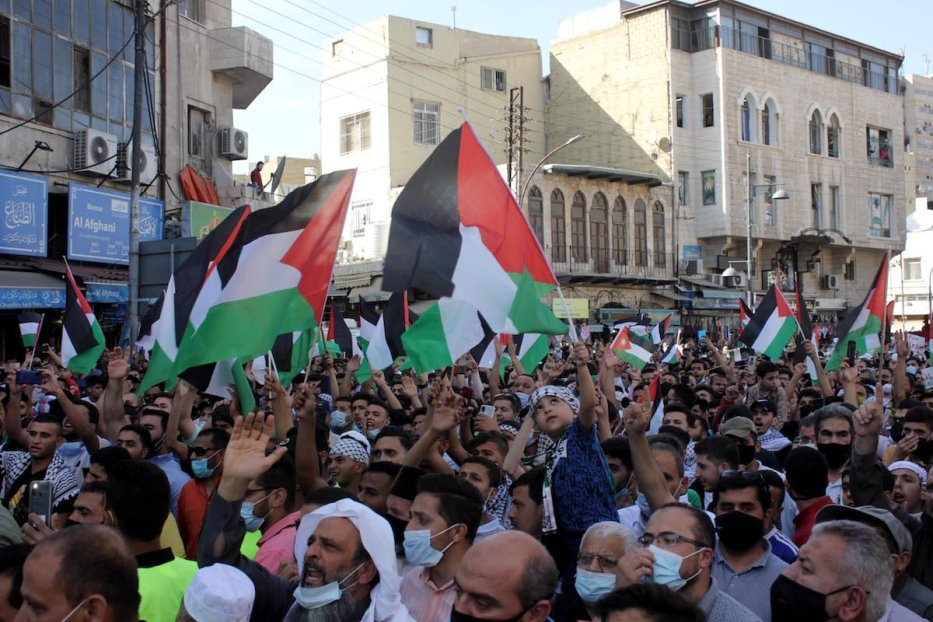 Hundreds of Jordanians gather during a demonstration in solidarity with Palestinians and protest against Israeli aggression on Gaza, on 16 May 2021 in Amman, Jordan. [ Laith Al-jnaidi - Anadolu Agency ]
