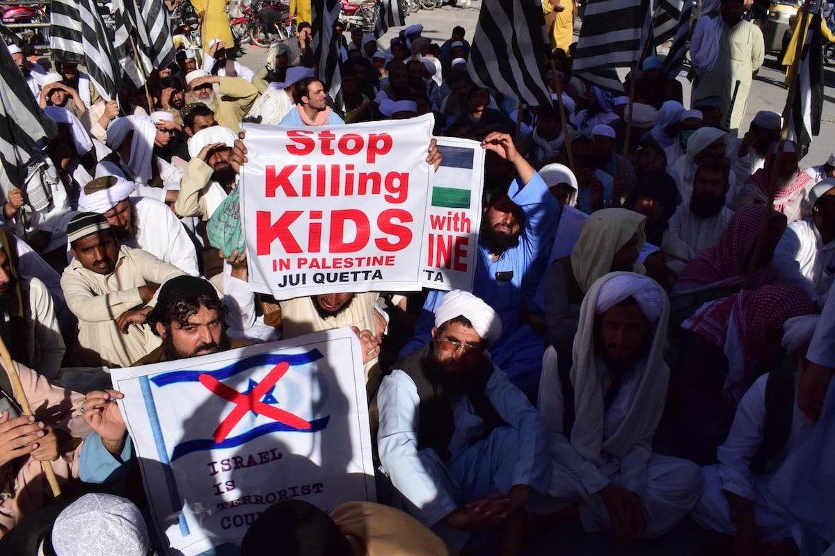 Religous Party Jamiat Ulema-e-Islam members gather to stage a demonstration in support of Palestinians and against Israeli attack on the Gaza Strip and East Jerusalem in Quetta Pakistan on 21 May 2021. [Mazhar Chandio - Anadolu Agency]