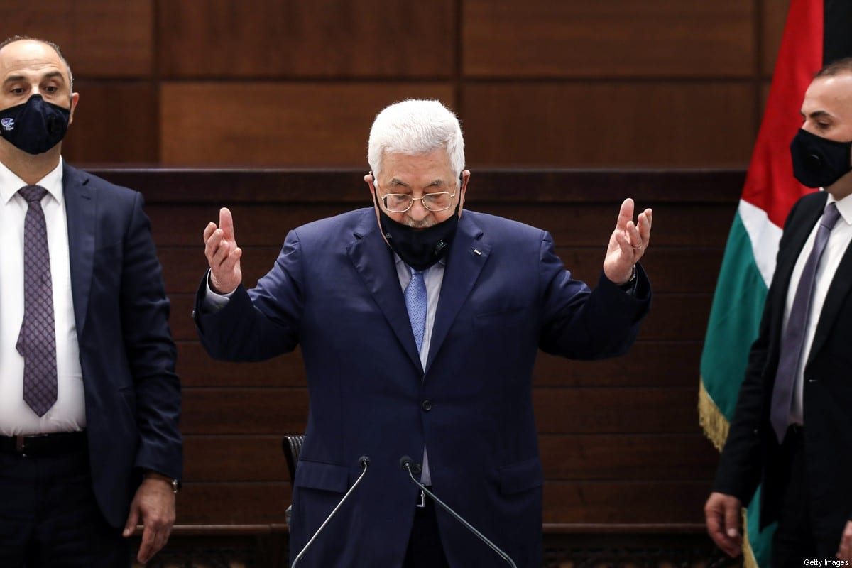 Palestinian president Mahmud Abbas (C), in the West Bank, Ramallah on 3 September 2020 [ALAA BADARNEH/POOL/AFP/Getty Images]