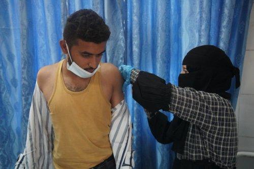 TAIZZ, YEMEN - MAY 30: A healthcare personnel prepares a dose of Covid-19 vaccine at health center as Covid-19 vaccination continue in Taizz, Yemen on May 30, 2021. ( Abdulnasser Alseddik - Anadolu Agency )