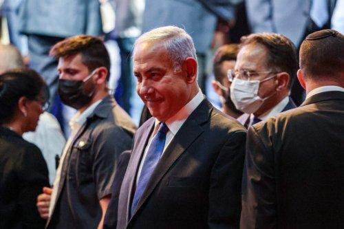 Israeli Prime Minister Benjamin Netanyahu (C) in Jerusalem on June 6, 2021 [MENAHEM KAHANA/AFP via Getty Images]