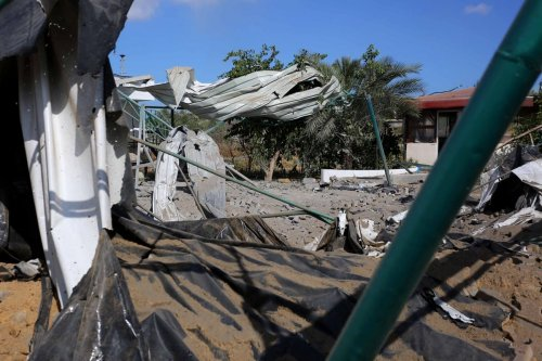 A view from a site hit by Israeli air strikes in Khan Yunis, Gaza on 16 June 2021 [Ashraf Amra/Anadolu Agency]