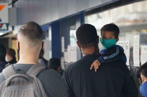 Brazilians waiting to receive financial assistance during the coronavirus crisis, June 2020 [Eman Abusidu/MEMO]
