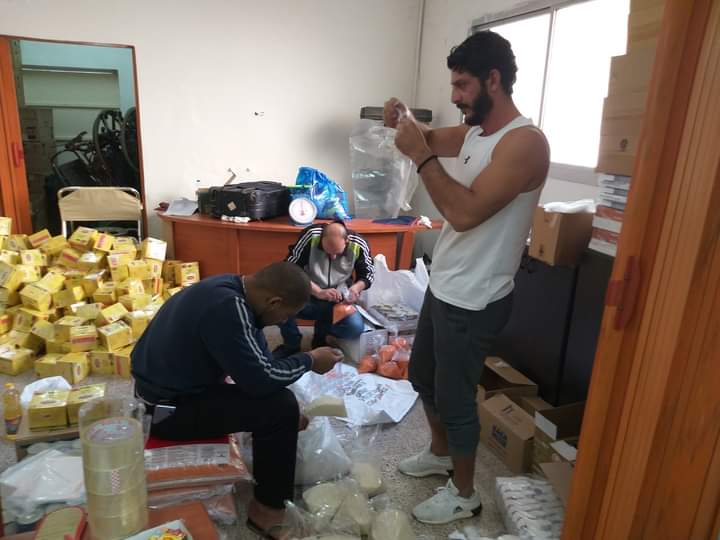 Some individual initiatives provide aid to refugee camps in Lebanon [Walid Al-Ahmed/Middle East Monitor]